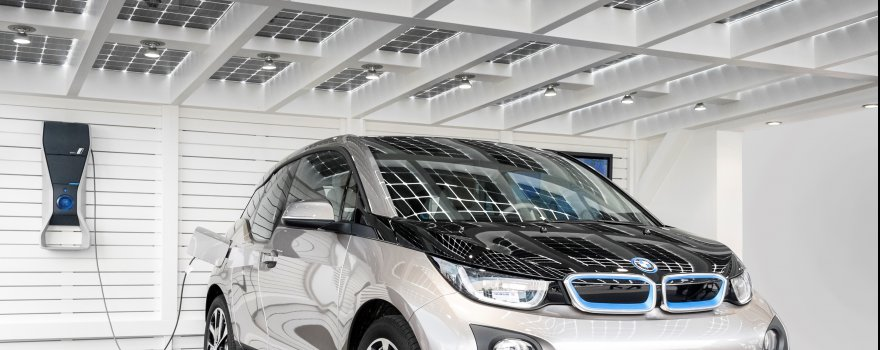 Solarcarport mit tankstelle fur e-autos Köln